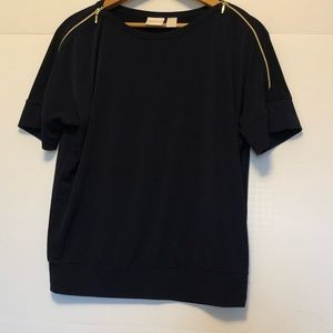 Chico's navy top size 0-XS.   A75